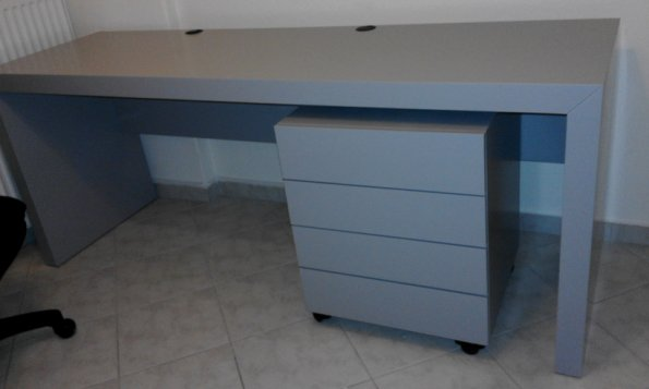 Desk with shelf and wheeled drawers
